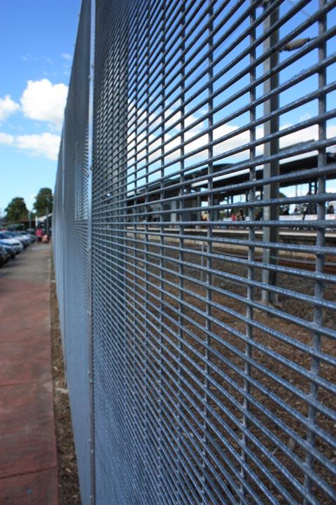 Woodridge Train Station Fencing