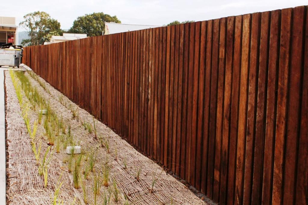 IGA Yandina Lapped Timber Fence