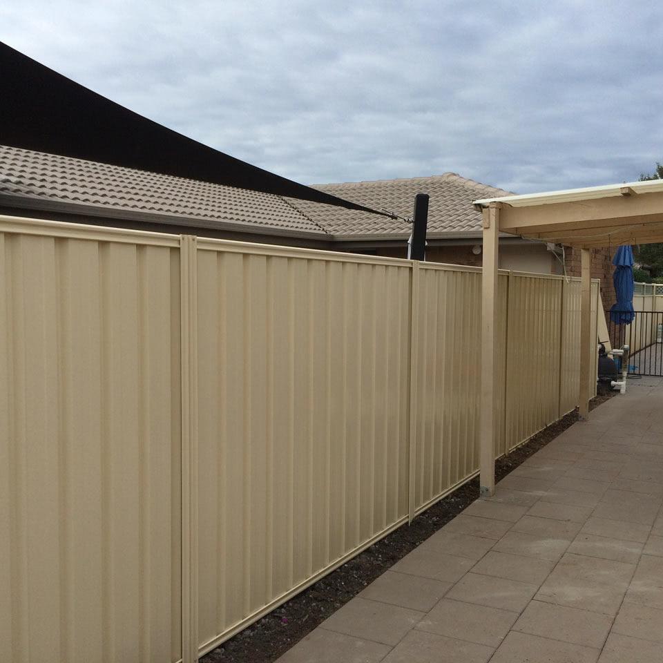 Labrador Colorbond Fence Gold Coast